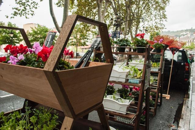 Convertir una plaza de parking en un jardín, un espacio de trabajo o de ocio por un día: repensar la ciudad de forma colaborativa